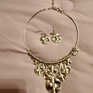 Necklace and earring set Never worn